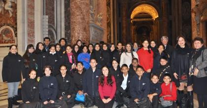 Los Niños Cantores del Perú inician en el Vaticano su gira europea