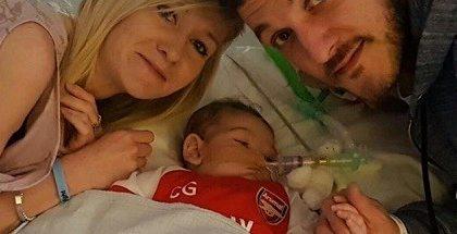 El papa Francisco reza por el bebé Charlie Gard y su familia