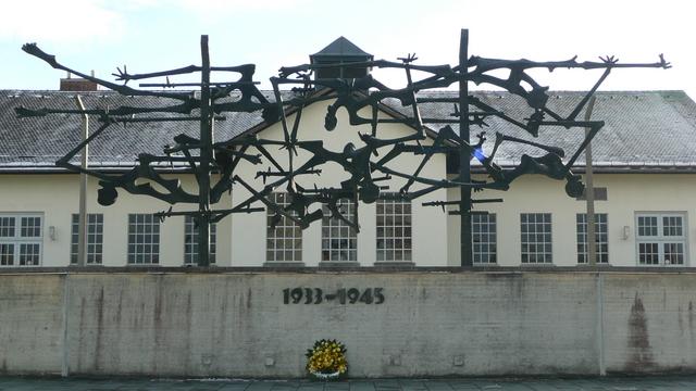 La increíble historia de un sacerdote ordenado en un campo de concentración nazi